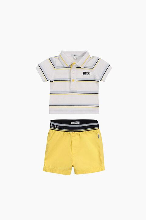 ملابس الأولاد الرضع