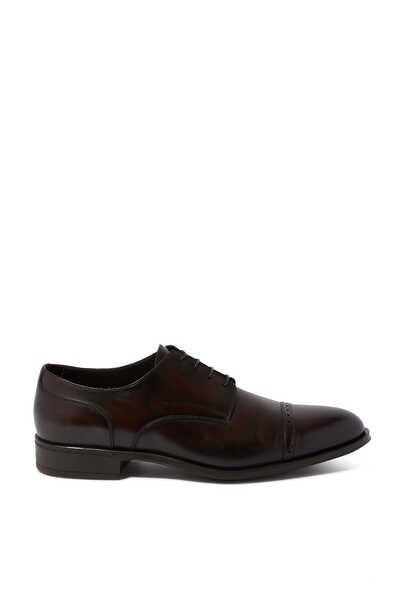حذاء أكسفورد بنقشة بروغ