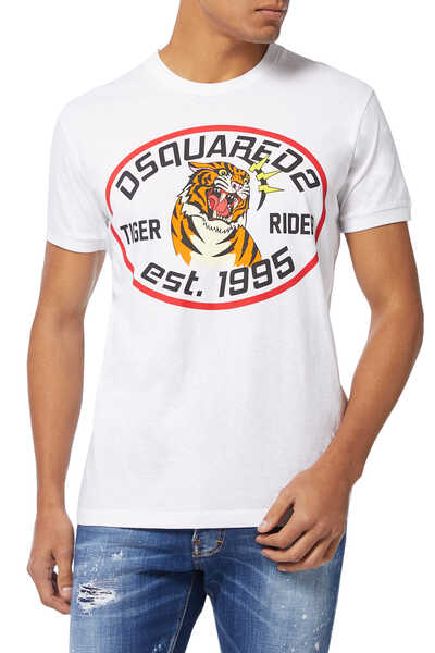 تي شيرت بطبعة نمر وشعار الماركة