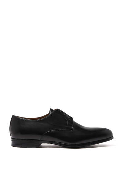 حذاء ديربي سباستيان بتصميم مثقوب
