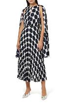 فستان منقط بتصميم كاب