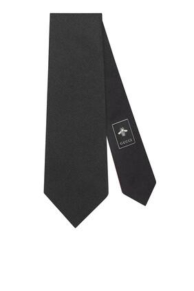 ربطة عنق حرير مزينة بأفعى