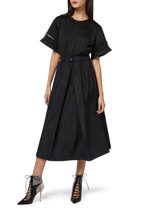 فستان متوسط الطول بكشكش
