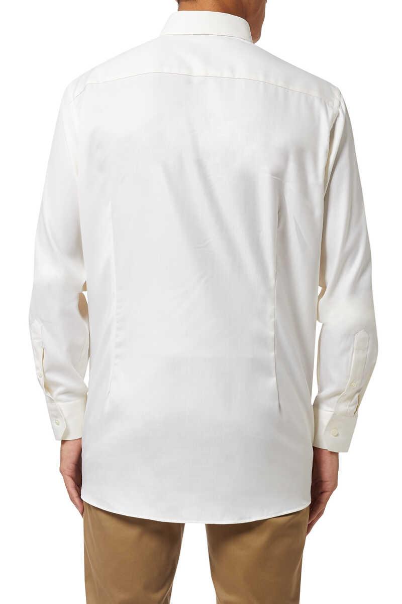 قميص بقصة عصرية ونقشة هيرنغ بون image number 3