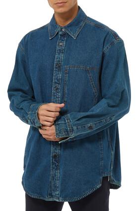 قميص دينم بشعار الماركة