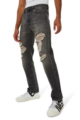 بنطال جينز بتصميم ممزق بشعار الماركة