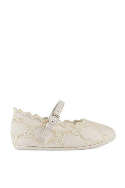 حذاء باليرينا مزين بحرفي GG بتطريز إنجليزي