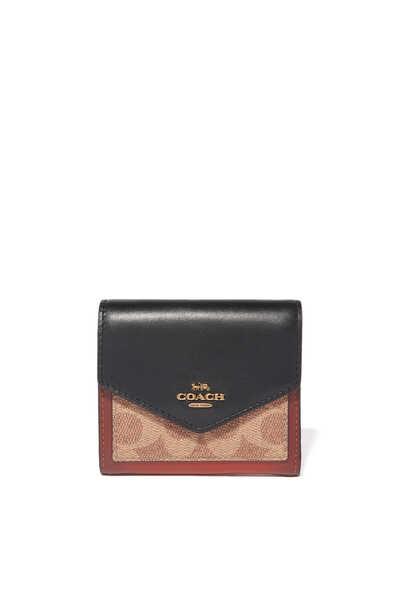 محفظة صغيرة بشعار الماركة مقسمة بألوان
