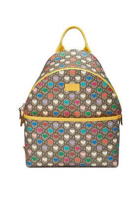 حقيبة ظهر بنقشة قلوب وشعار GG