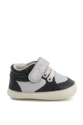 حذاء جلد بشعار الماركة