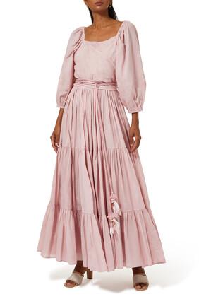 فستان بأكمام منفوخة وحافة واسعة