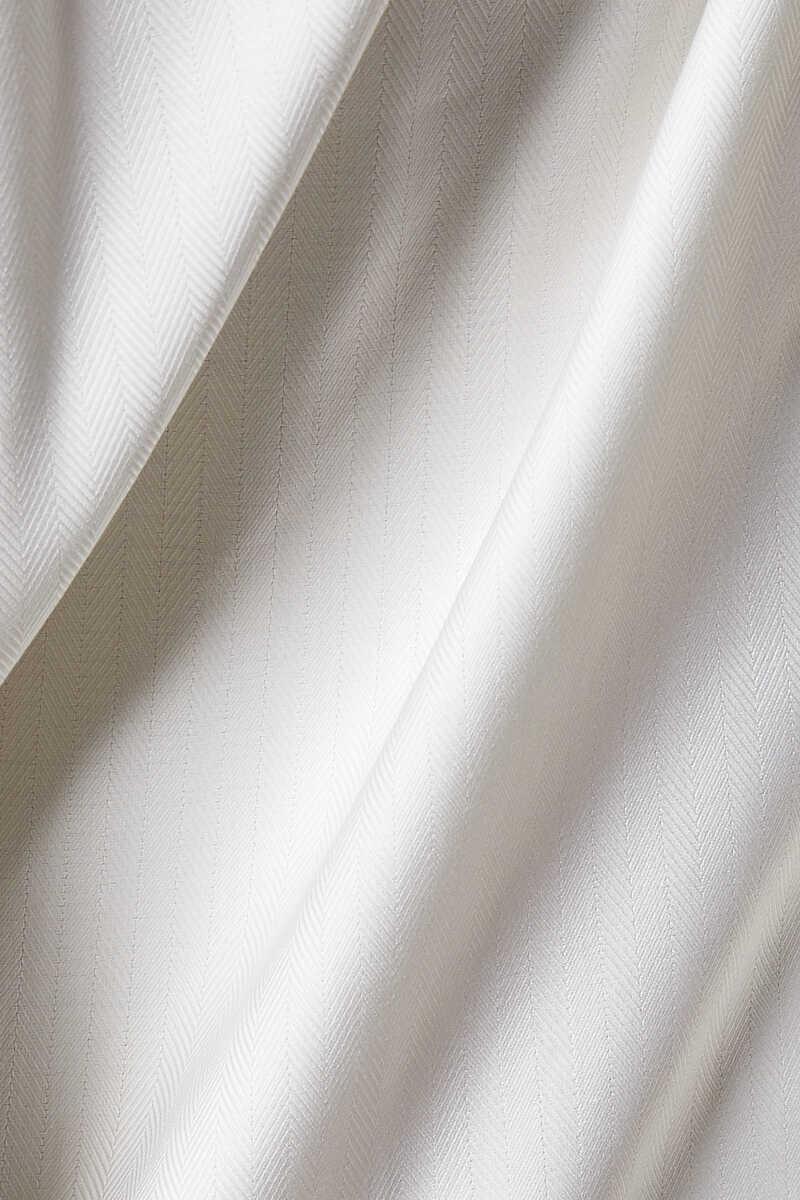 قميص بقصة عصرية ونقشة هيرنغ بون image number 4
